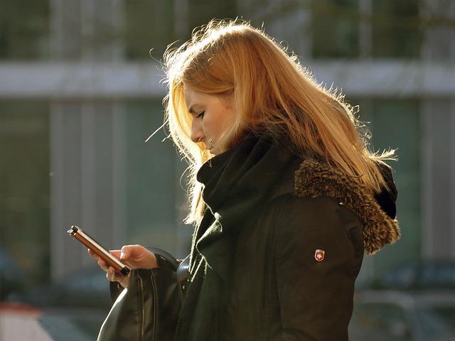mobilní telefon