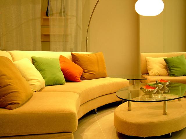 moderní gauč