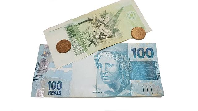 exotické bankovky a mince